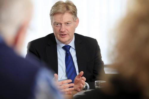 Reactie Van Rijn op Manifest 'Scherp op ouderenzorg'