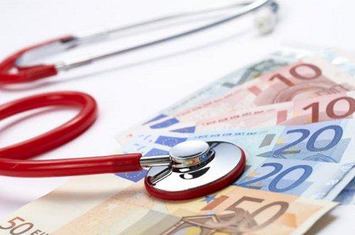 100 miljoen euro voor extra zorgverleners